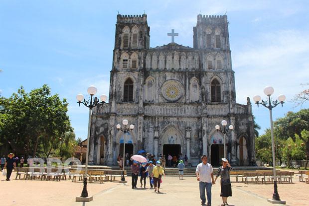 Tour Quy Nhơn - Nhà thờ Mằng Lăng - Gành Ðá Ðĩa 4