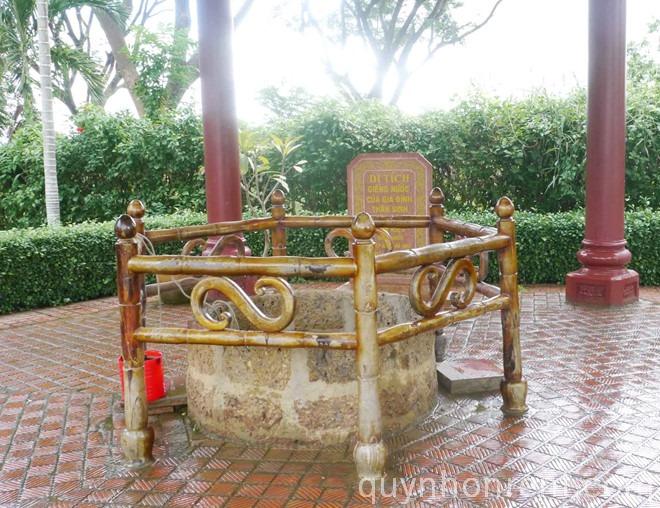 Giếng cổ trong bảo tàng Quang Trung
