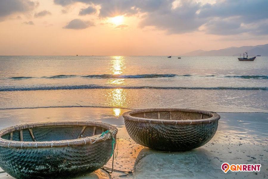 Bình minh biển Trung Lương