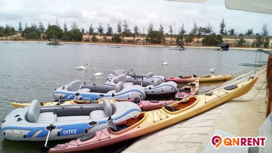 Chèo thuyền Kayak tại Safari Quy Nhơn