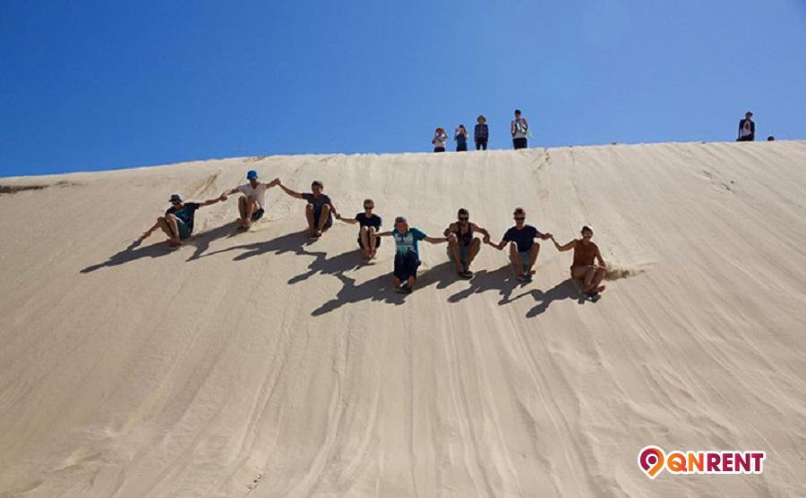 Trượt cát Phương Mai