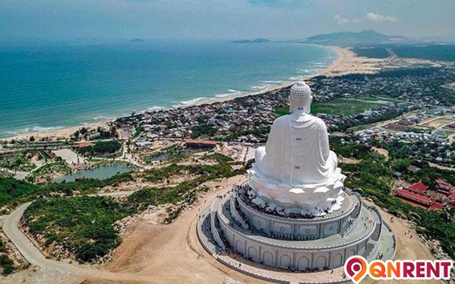 Tượng Phật chùa Ông Núi