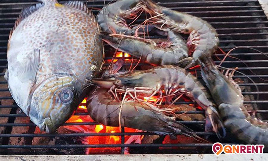 Tôm cá tươi ngon nướng than hồng